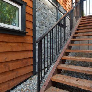 Exterior Side Yard Stairway - Selma Park Post Beam Residence