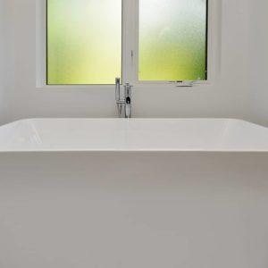 Master Bathroom Tub - Selma Park Post Beam Residence
